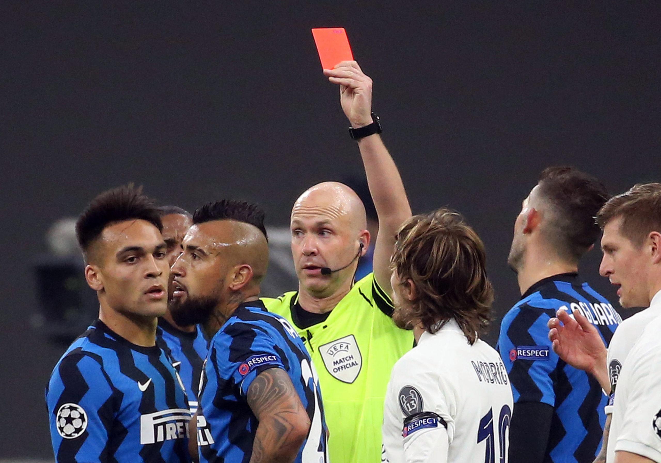 Liga Mistrzów. Liverpool bez celnego strzału, Vidal bez głowy